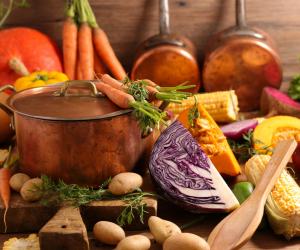 Vale a pena juntar a alimentação  vegana e vegetariana com técnicas de preparo da comida e aproveitar todos os benefícios dos alimentos.